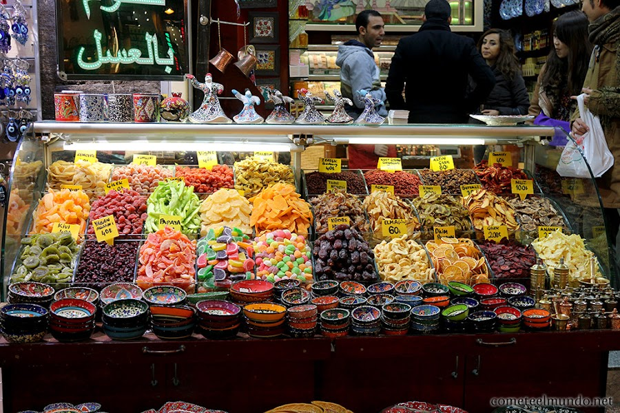 El Bazar de las especias en Estambul, Turquía