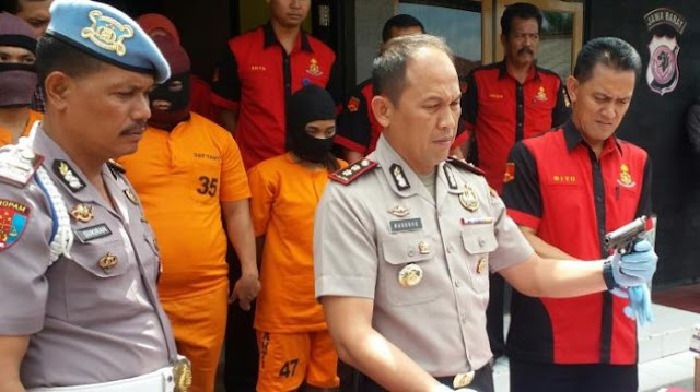 Dibacakan Shalawat, Perampok Berjimat Ini Pun Akhirnya Takluk Di Hadapan Polisi