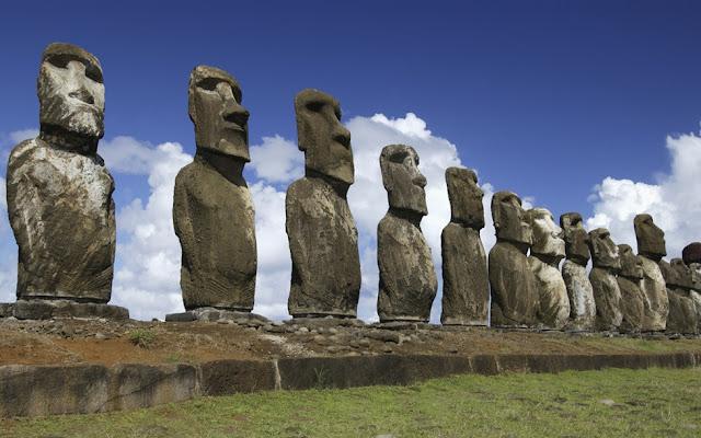 Moai Statues, Easter Island salah satu penemuan spektakuler