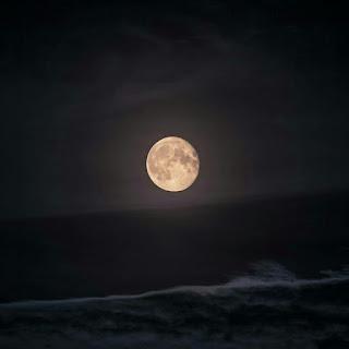 خلفيات و صور للقمر