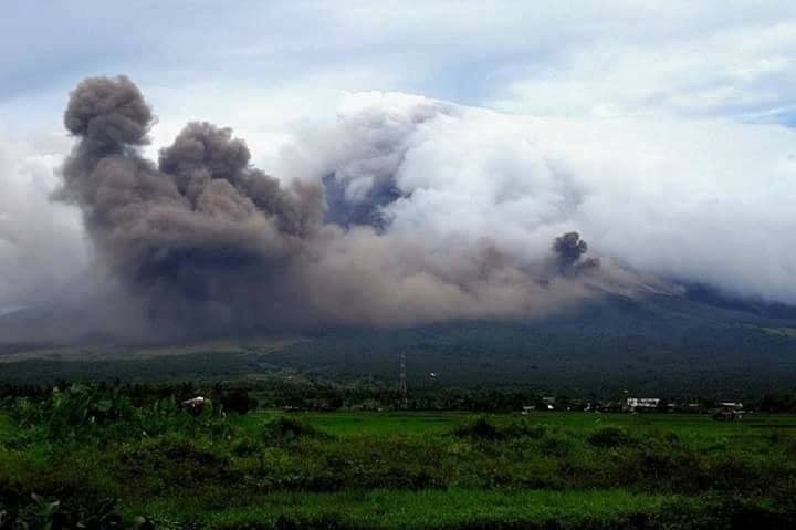 viral photos of Mayon Volcano will remind you of its beautiful yet tragic legend