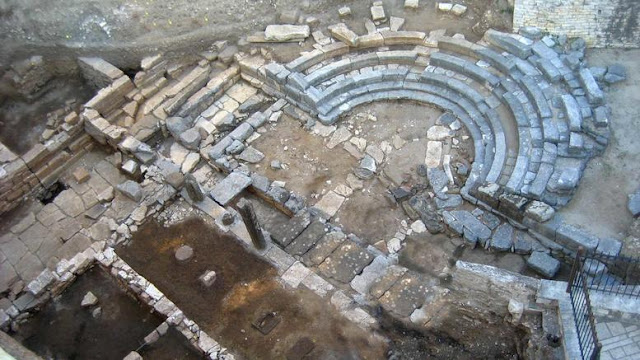 Pebble mosaic dating to 4th century BC discovered in northwestern Greece