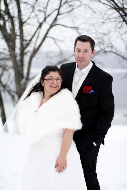 Fotograf Härnösand bröllopsfotograf Maria-Thérèse Sommar höga kusten sundsvall sollefteå umeå kramfors vinterbröllop winter wedding