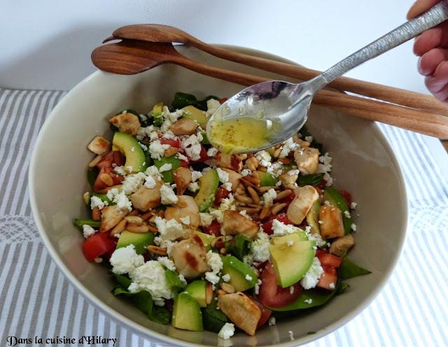 Ma power salade aux épinards, poulet, avocat et feta