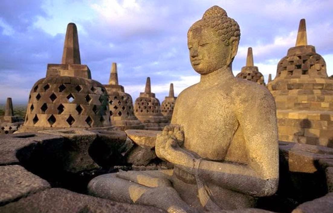 Asal Usul Candi Borobudur yang Sengaja DISEMBUNYIKAN!!