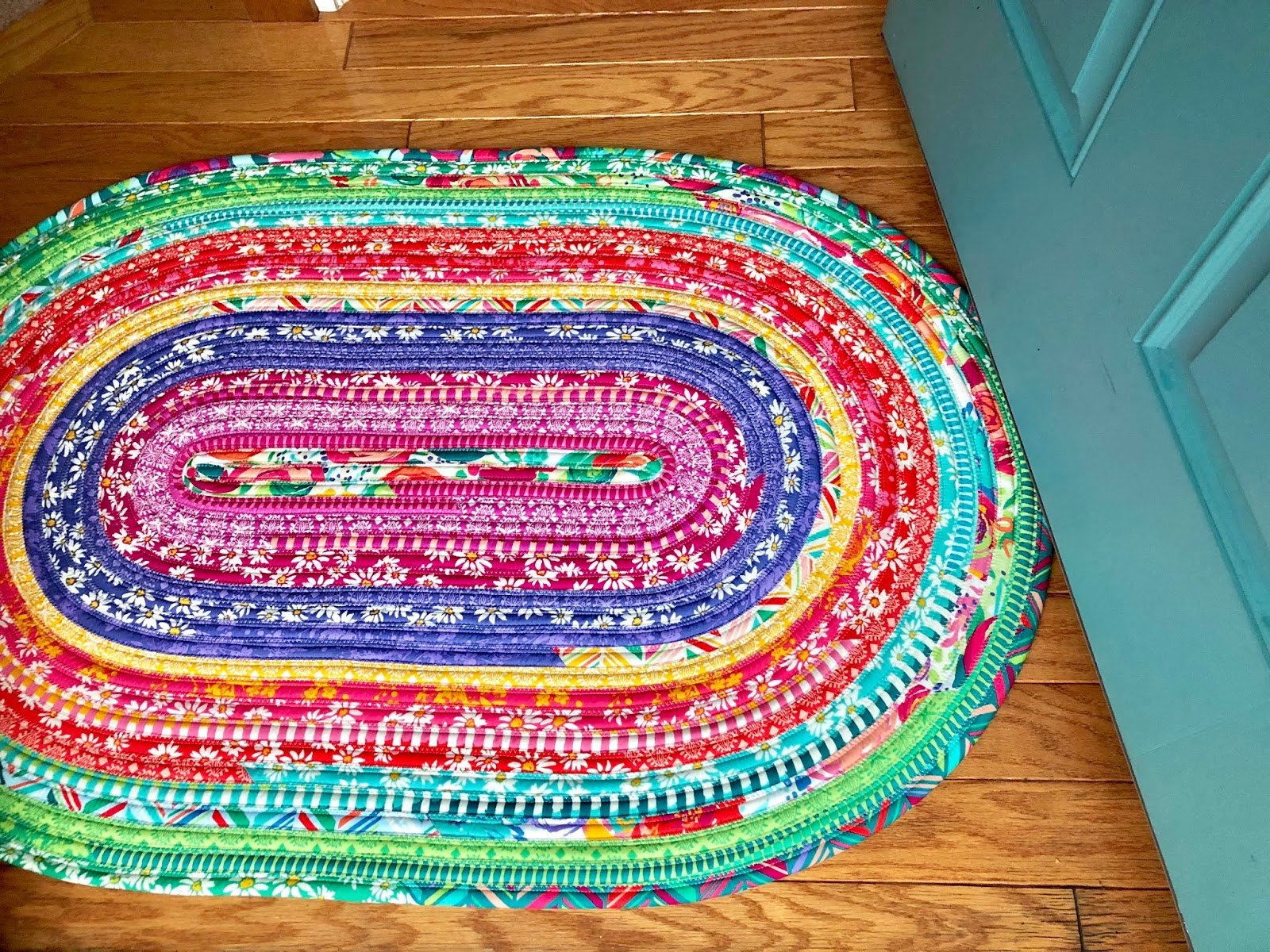 Miss Andrea Quilts: Jelly Roll Rug Tips and Tricks
