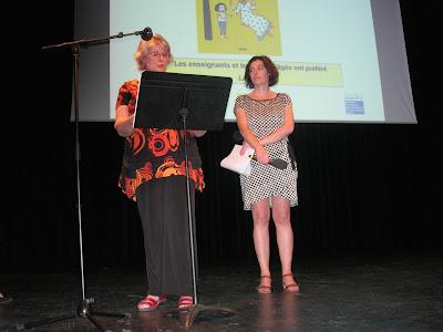 remise du prix chronos 2016 Marido VIALE et Xavière BRONCARD sur la scène de la maison de la poésie à Paris