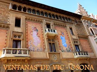 http://misqueridasventanas.blogspot.com.es/2016/10/ventanas-de-vic.html
