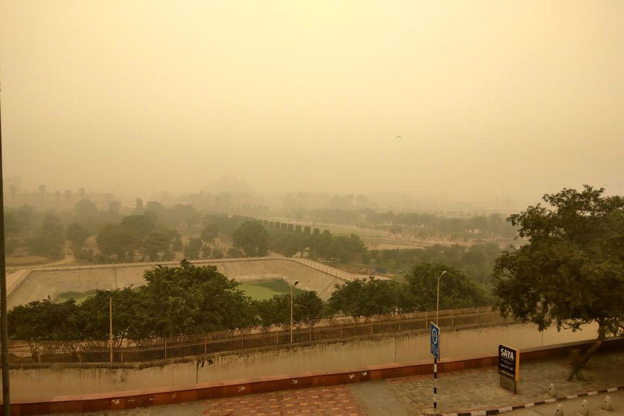 4ad81b06909 I don t know what to say but i can show the images of today s smog to  lighten up this disastrous condition of Delhi.
