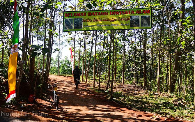 Jalan masuk menuju Watu Songgo Langit, Mangunan