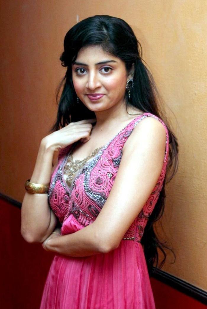 South Actress Poonam Kaur Profile and Poonam Kaur Latest ...