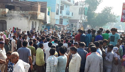 murder-in-tigaon-youth-dead-angry-peoples-road-block-near-hdfc-bank-tigaon