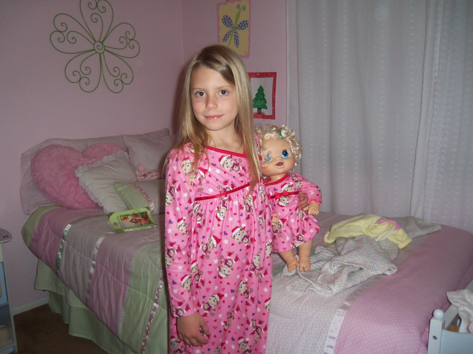 Little Girls In Bed Wearing Nightgown