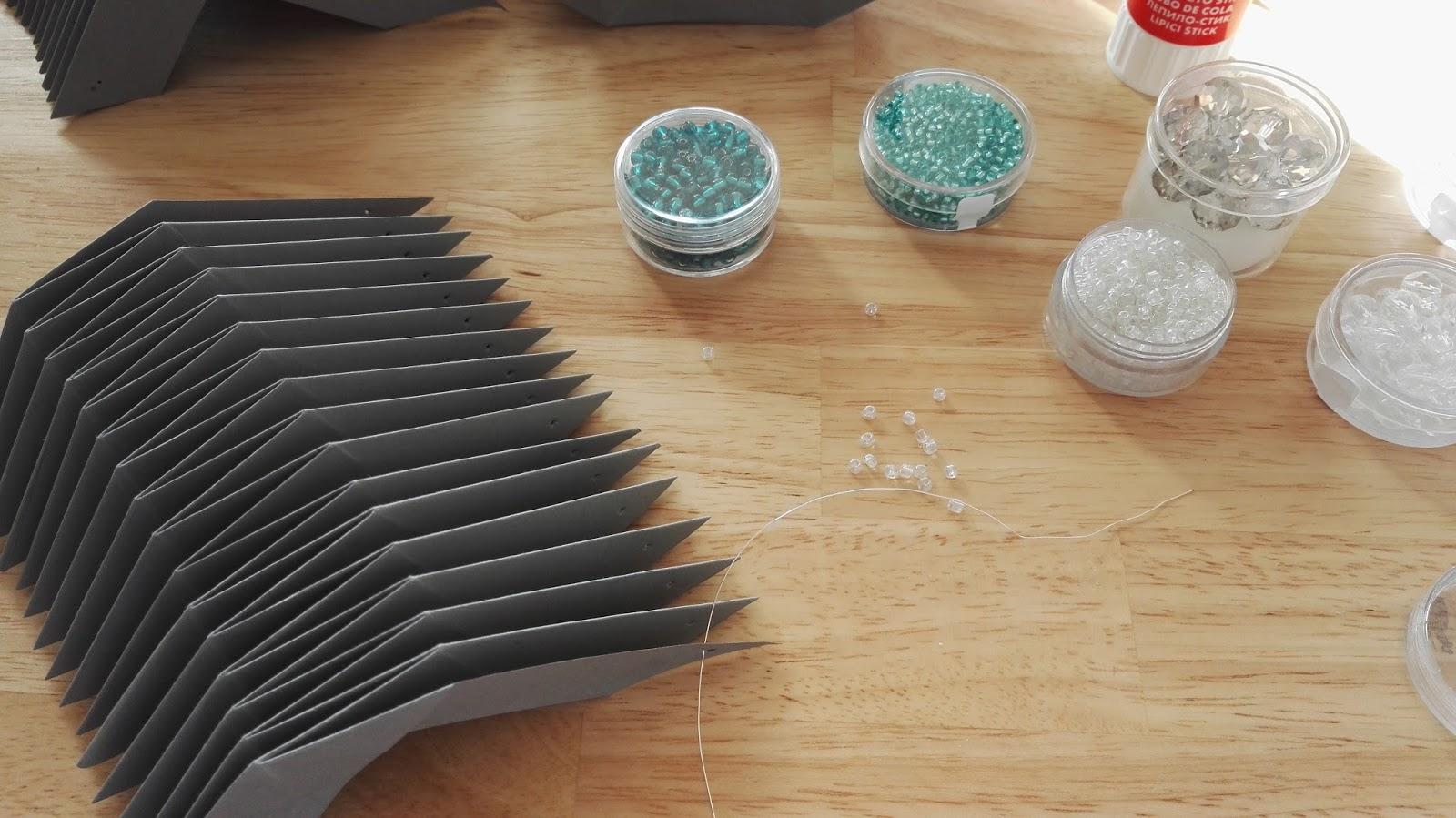 DIY: Plisseeanhänger für den Osterstrauß - Frühling zieht ein ins ...