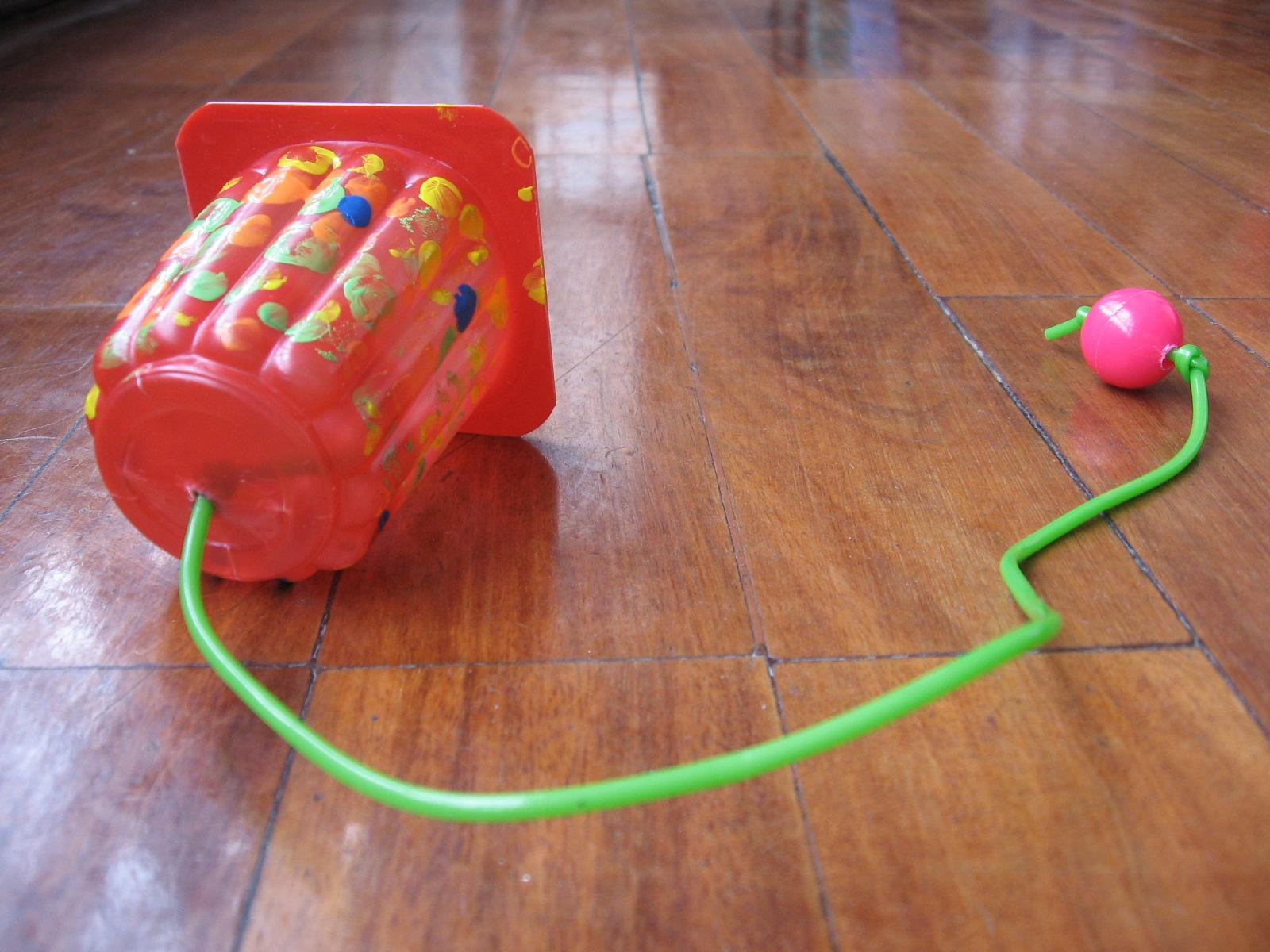 Pl stico papel o cart n creando 3 juguetes con material - Plastico inyectado casero ...