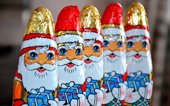 Wallpaper: Chocolate Santa Claus