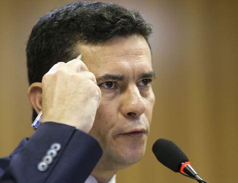'Não existe nenhuma licença para matar', diz Moro sobre proposta para legítima defesa