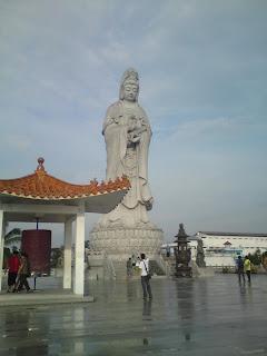 Patung Dewi Kwam Im Tertinggi di Asia Tenggara