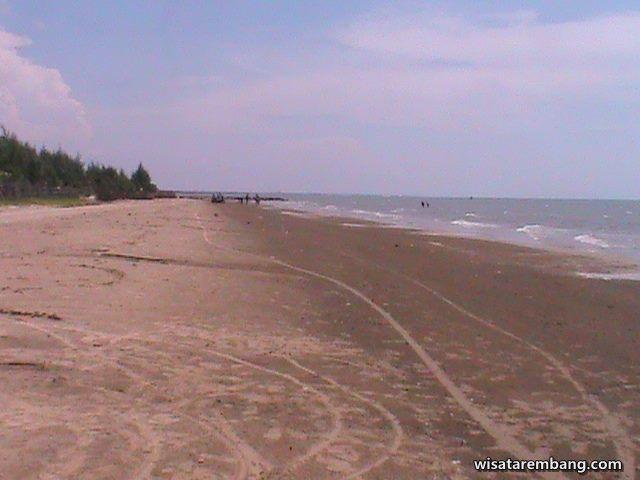 Gambar keindahan panorama Pantai Caruban Lasem - Rembang