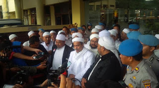 Rizieq Shihab Dipolisikan Hansip karena Hina Kapolda Metro Jaya