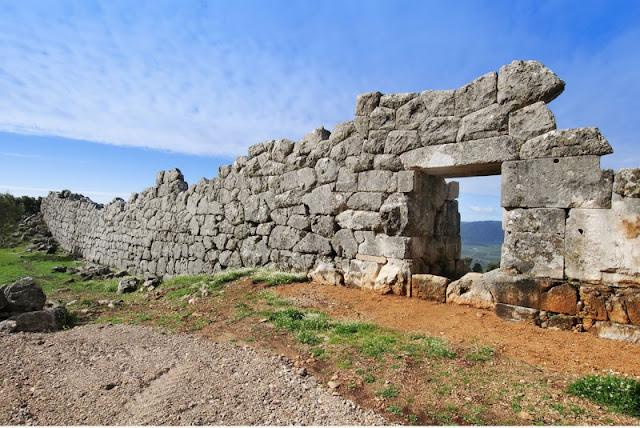 Θεσπρωτία: Εγακταλελειμμένοι και αφύλακτοι οι αρχαιολογικοί χώροι στη Θεσπρωτία...