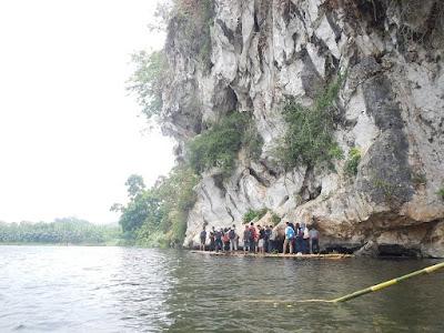 http://www.wisatakalimantan.com/2017/03/goa-ber-angin-sejuk-dengan-panorama-alam-indah.html