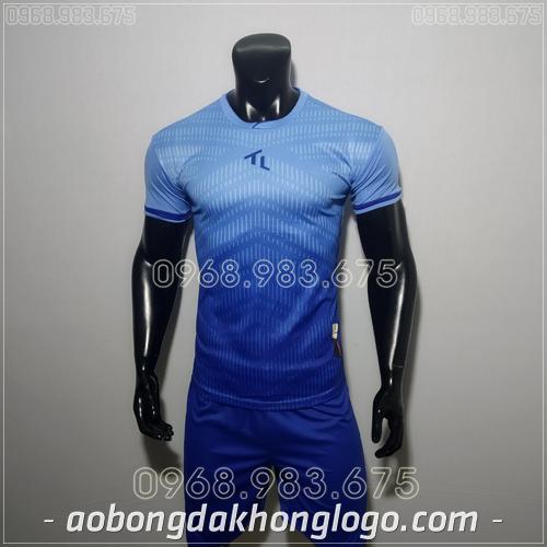 Áo bóng đá không logo TL Rius màu xanh nhạt