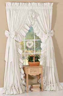 ideas para decorar el hogar ideas de cortinas para ventanas peque as. Black Bedroom Furniture Sets. Home Design Ideas