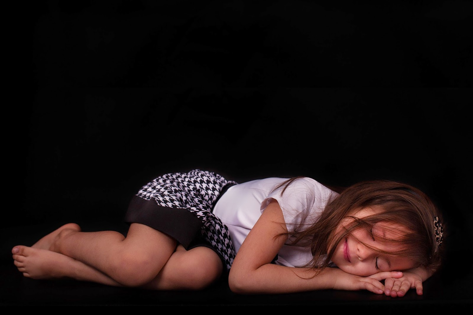 Fotografia, blog z Lublina, blog szyciowy, DIY, jak uszyć sukienkę, sukienki dla mamy i córki, pepitka, kurza stopka, czarno-biała sukienka, moda dziecięca