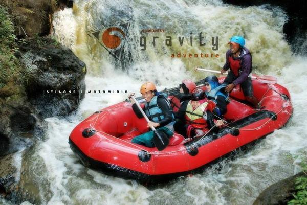 Rafting di Sungai Palayangan – Pangalengan, Bandung Selatan gravity-adventure.com