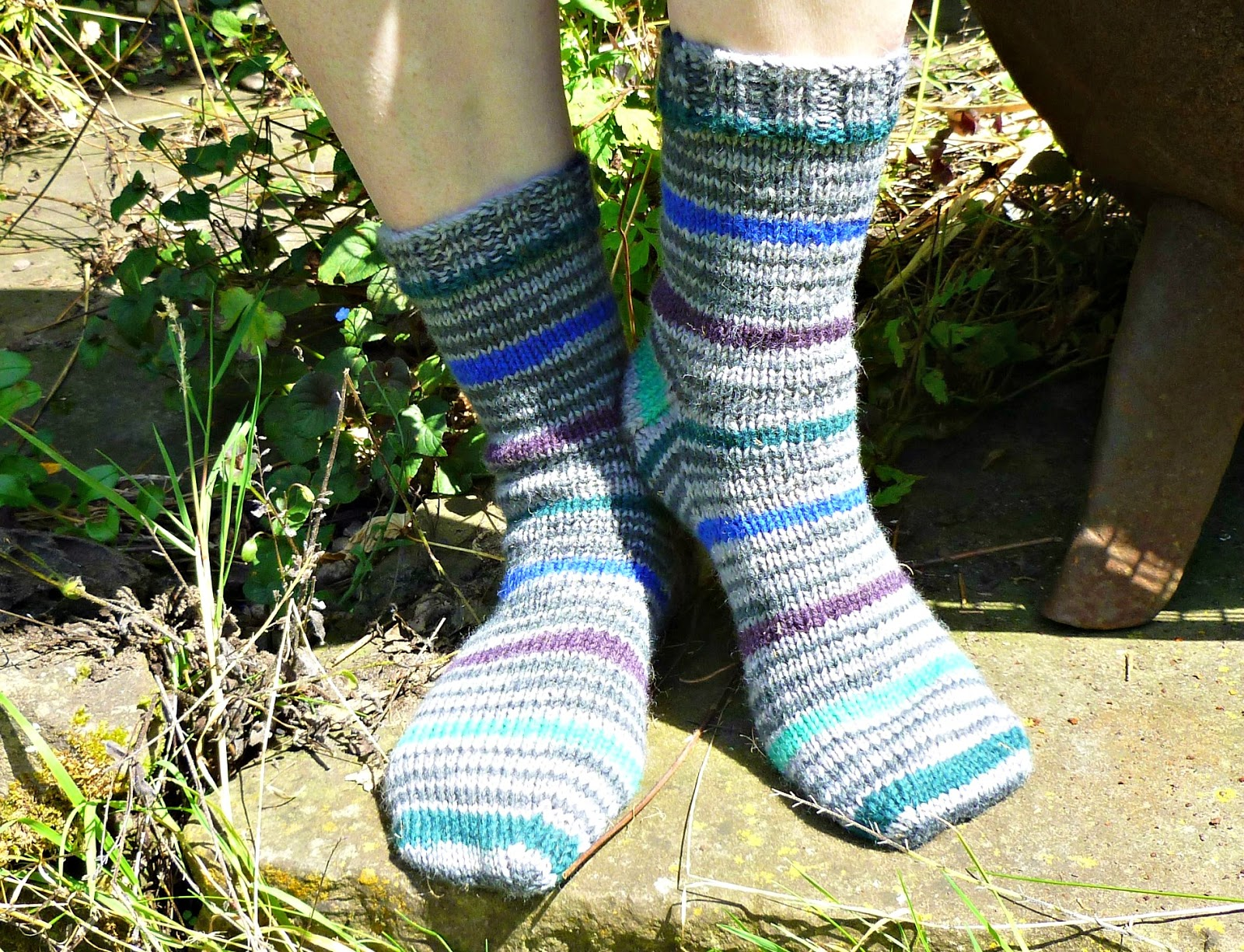 Winwick Mum: Basic 8ply (DK) boot socks - free pattern and tutorial