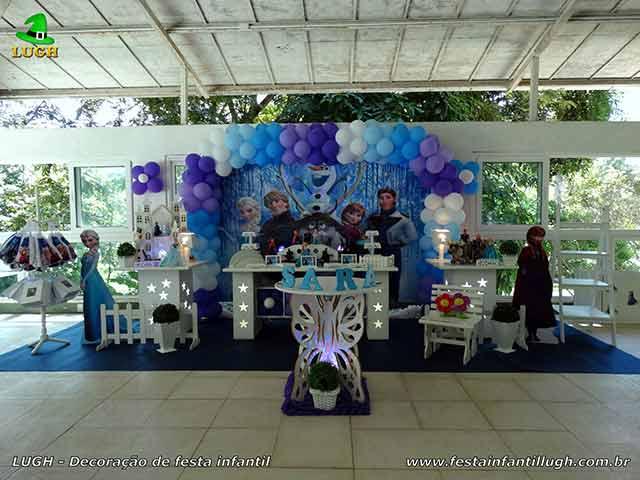 Ornamentação mesa da Frozen para festa de aniversário infantil provençal luxo