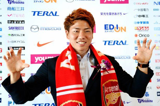 Takuma Asano, yang Perlu Anda Tahu Tentang Bomber Baru Arsenal