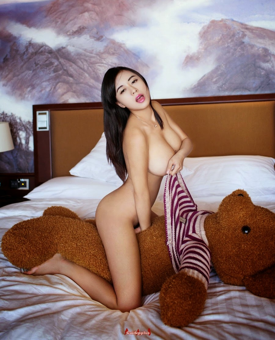 naked girl with teddy