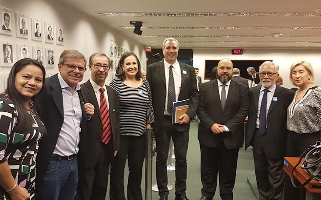 Cohapar debate agenda de 2019 com a diretoria de habitação da CAIXA