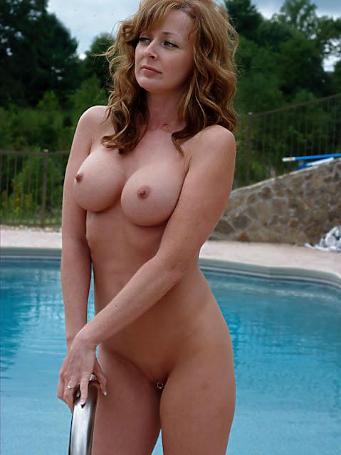 Porn Lookalikes Young Susan Sarandon Lookalike Naked By The Pool