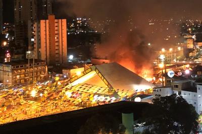 Vídeos: Incêndio atinge estrutura do Parque do Povo, em Campina Grande; shows são cancelados