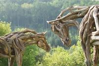 caballos tallados esculturas de madera