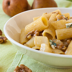 Pasta sa gorgonzolom i kruškama