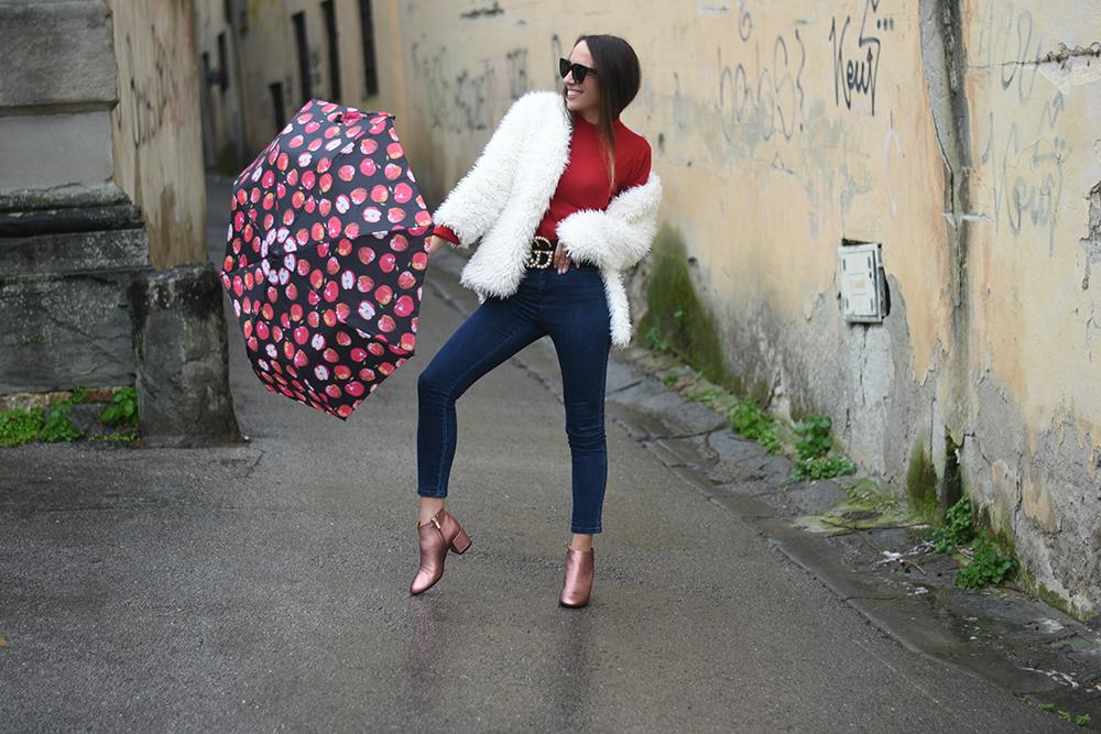 look coordinato con ombrello