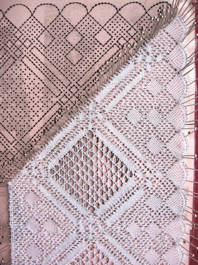 foto 7 inicio de un pañuelo de novia de encaje de bolillos