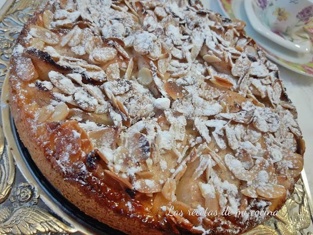 Tarta rellena de queso y manzana (videoreceta)