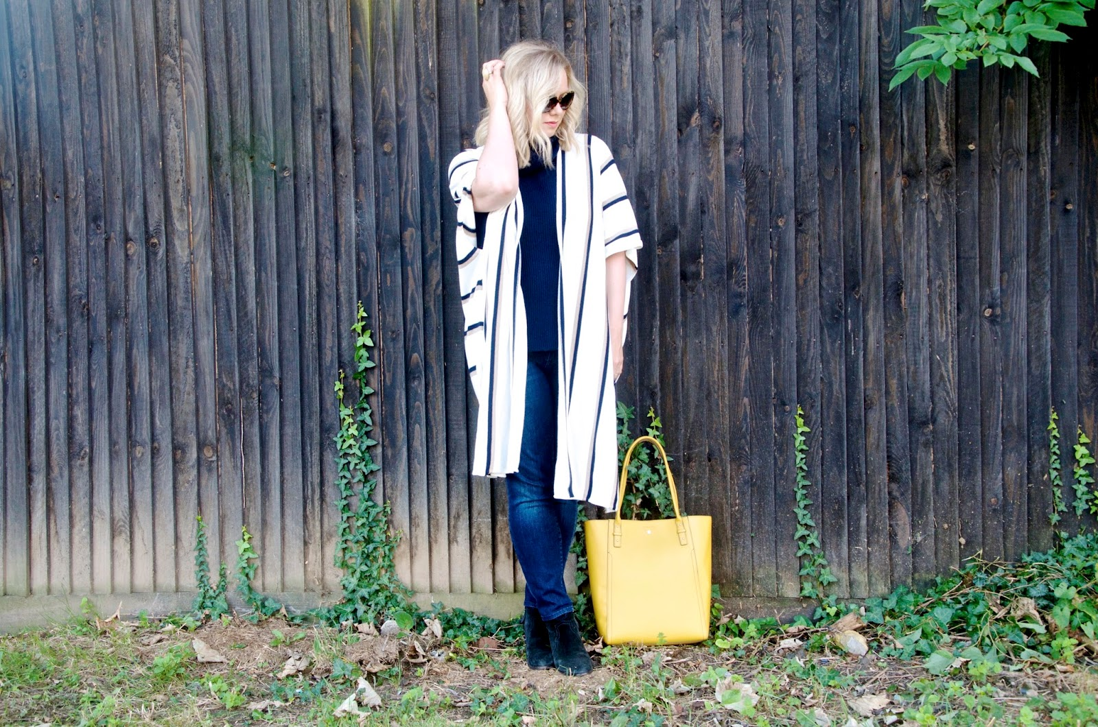 Sleeveless Turtleneck sweater with striped long cardigan