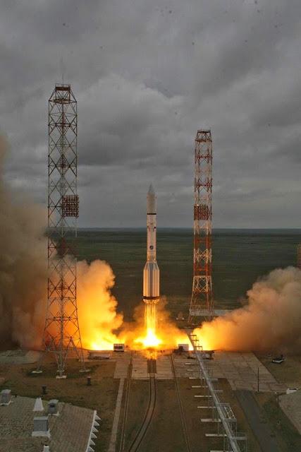 foguete russo cai