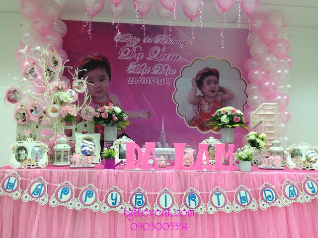 Trang trí thôi nôi bé gái Tone màu hồng-Bé Dạ Lam