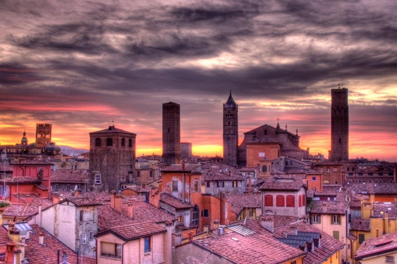 TOP WORLD TRAVEL DESTINATIONS: Bologna Italy
