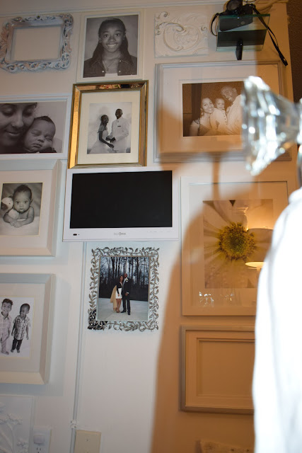 How to create  portrait wall, Mirrored frames, black and white photos, By: JoFer Interior