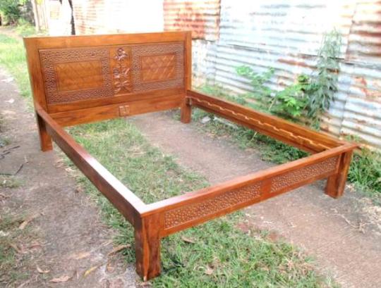 harga tempat tidur minimalis