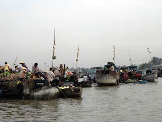 Imbarcazioni al mercato galleggiante - Can Tho - Vietnam