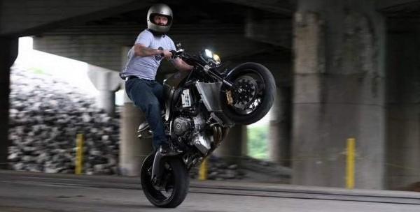Suzuki GSX-R1000 Superbike Street Motorcycle